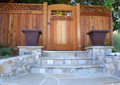 1459966080_a-gate-steps
