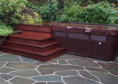 1459966198_hottub-patio