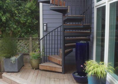 deck_spiralstairs